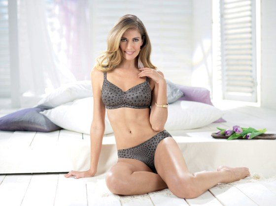 Malia - Luxurious Comfort Set and matching briefs by Anita