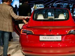 Tesla_Tops_Toyota