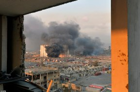 Beirut-Huge-Explosion2_EPA