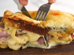 Croque Monsieur – the ultimate ham & cheese sandwich!