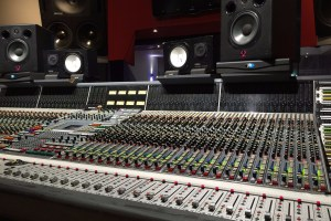 How to adjust to mixing in a new room