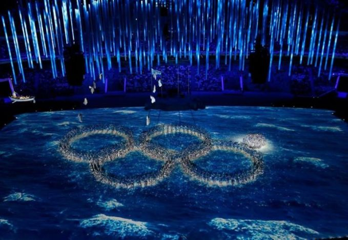 Olympic Rings joke at the Sochi Olympics Closing Ceremony