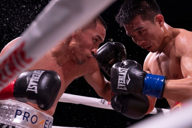 Estrada and Sor Rungvisai battle on the inside. Photo: Lina Baker