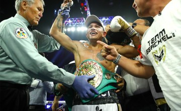 Miguel Berchelt Stops Francisco Vargas Photo Mikey Williams TopRank