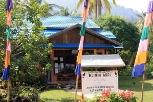 The Health in Harmony (ASRI) Clinic in Sukadana, Indonesia trades healthcare for reforestation.