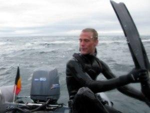 Sv%C3%B8mmef%C3%B8dder Captain nemo 300x225 - Leaderfins wave carbon finner til uvjagt / fridyk