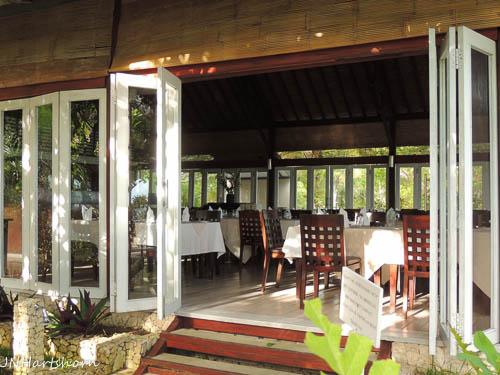 Wakatobi dining room