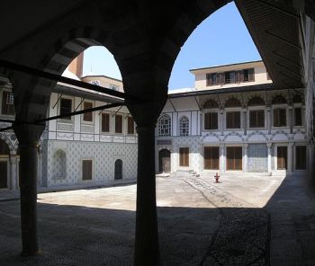 Mualla Eyüboğlu, Palacio de Topkapi