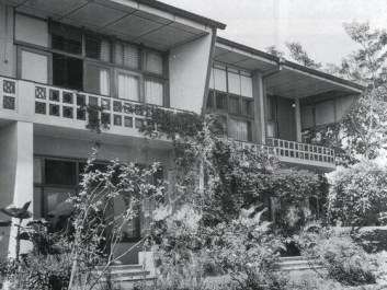 Minnette de Silva, casas apareadas en Coomaraswamy, Colombo, 1970