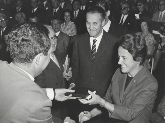 Franca Helg y Franco Albini. Premio Compasso d'oro. 1964.