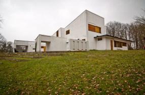 Elissa & Alvar Aalto. Maison Louis Carré