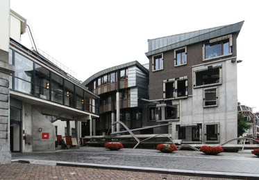 Benedetta Tagliabue . EMBT. Ayuntamiento de Utrecht, 2000.