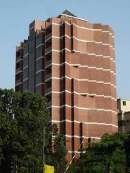 Marina Tabassum, Torre de apartamentos en Daca. 2010