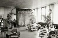 Karen y Ebbe Clemmensen, Instituto Blaagaard (1962): Fotografía de uno de los halls (c.1968). Tapiz de Franka Rasmussen.