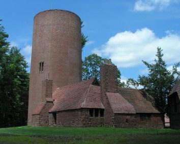 Theodate Pope Riddle, Escuela Avon Old Farms, Torre de agua y Herrería