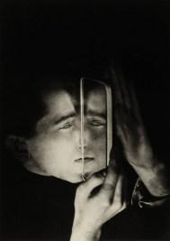 Lotte Stam-Beese, foto Albert Brown con espejo 1928