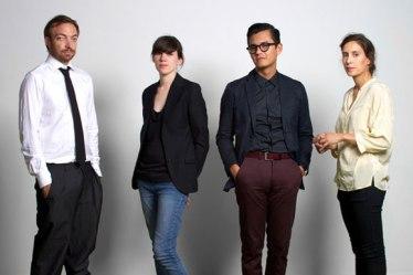 Beatrice Galilee. Curadores de la Trienal de Arquitectura de Lisboa. Liam Young, Beatrice Galilee, José Esperza y Mariana Pestana.