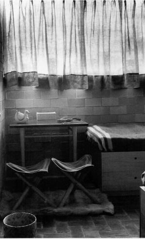 Clara Porset, Muebles de dormitorio diseñado para Multifamiliar Presidente Alemán de Mario Pani, 1949