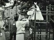 Lady Marjory Allen of Hurtwood, inauguración Highgate Nursery School