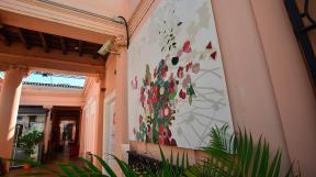 Marina Waisman, Freddy Guidi y Teresa Sassi de la recuperación y restauración de la casa Garzón Maceda