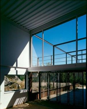 Carmen Espegel y Concha Fisac (2002): Casa Pajares-Bausá, Guadarrama. Vista interior.