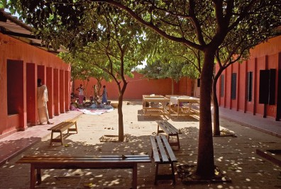 Hollmen Reuter Sandman Architects. Centro de Mujeres, Senegal, 2001.