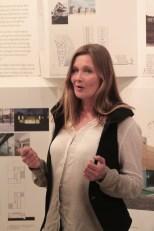 Margit Mutso en una exposición de la Eesti Arhitektide Liit en Budapest en 2013