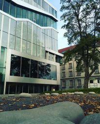 Ellen van Loon, Rem Koolhaas, Netherlands Embassy, Berlín, Alemania, 1997-2003.