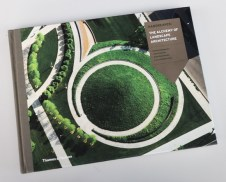 Anita Berrizbeitia. Hargreaves. The Alchemy of Landscape Architecture.