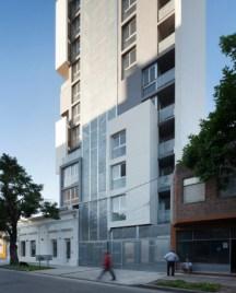 Griselda Bertoni, Eduardo Castelliti, Carlos Castelliti, José Ignacio Castelliti. Edificio Torre-del-molino, fachada. Ciudad de Santa Fe. 2011.