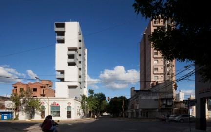 Griselda Bertoni, Eduardo Castelliti, Carlos Castelliti, José Ignacio Castelliti. Edificio Torre del molino, panorámica. Ciudad de Santa Fe. 2011.