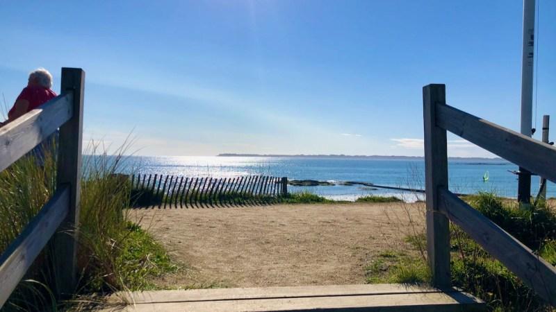 Accès matérialisé vers la mer et l'horizon