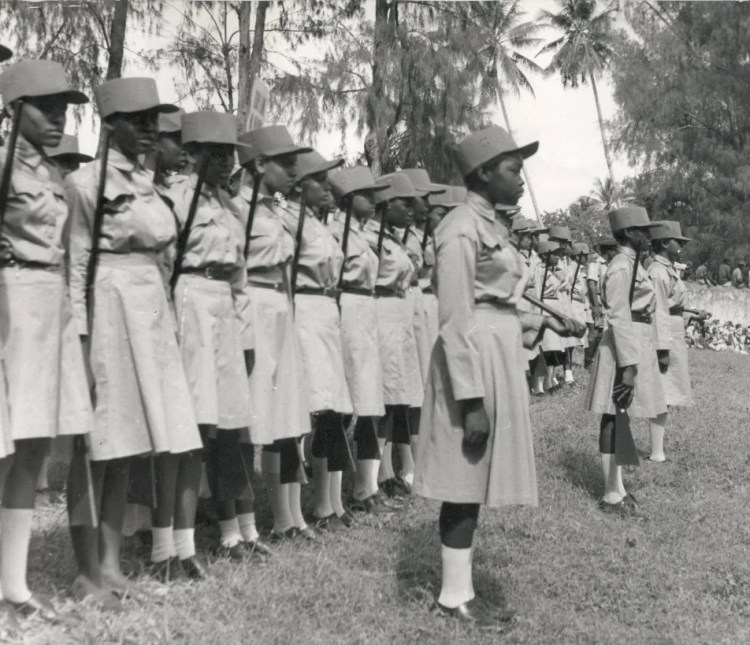 Zanzibar milice féminine