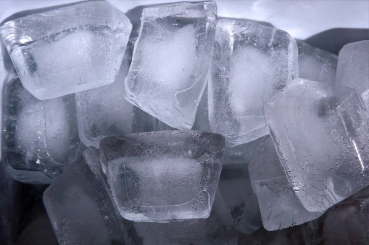 ice cubes photo