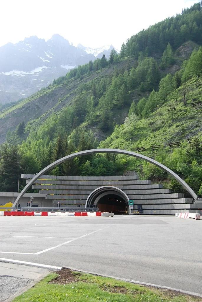 tunnel mont blanc photo