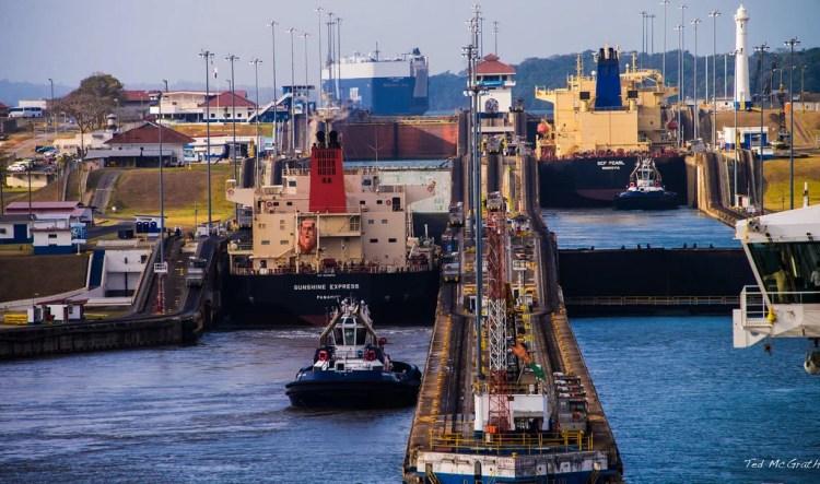 canal panama photo
