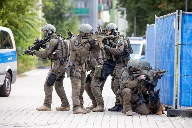 Spezialeinsatzkommando photo