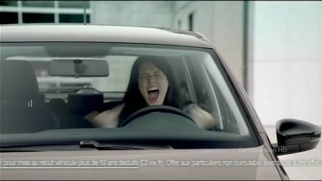 eGpnZjg3MTI=_o_publicit-hd---volkswagen-polo-style-la-fille-au-volant-