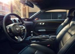 ford-mustang-2018-interieur-2