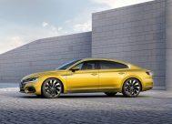 Volkswagen Arteon statique jaune profil r-line