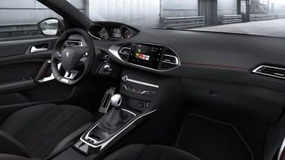 Peugeot-308-2017-intérieur