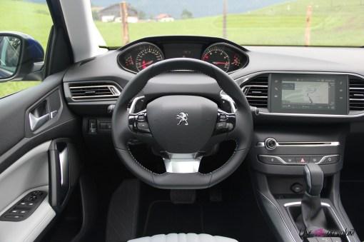 Essai-Peugeot-308-2017-iCockpit