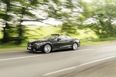 Mercedes-Benz S-Klasse Cabriolet; A 217; Exterieur: designo mokkaschwarz; Interieur: designo Leder porzellan/tizianrot // Exterior: designo mocha black; Interior: designo leather porcelain/tizian red