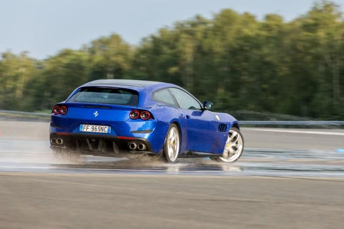 Ferrari GTC4 Lusso T Mortefontaine
