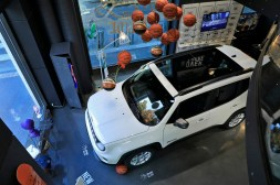 Exposition Jeep Around MotorVillage intérieur
