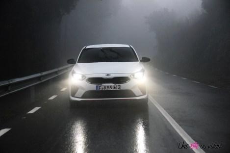 Kia Proceed GT dynamique feux calandre