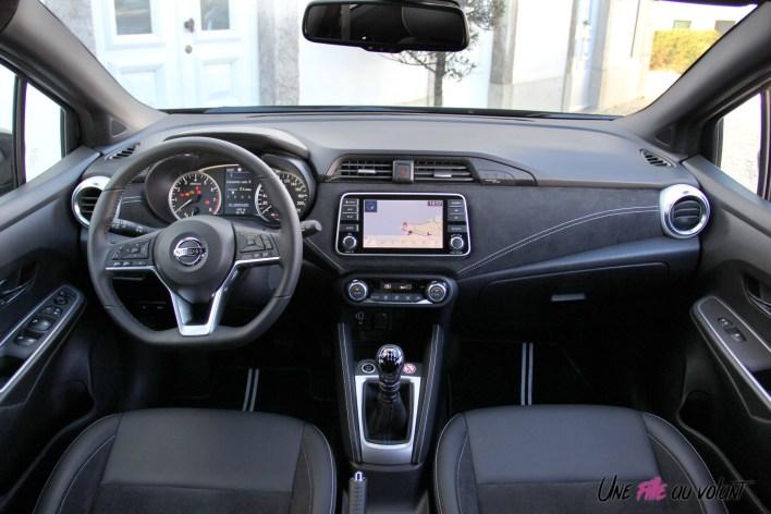 Nissan Micra N-Sport intérieur volant combiné