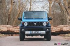 Suzuki Jimny avant statique calandre logo