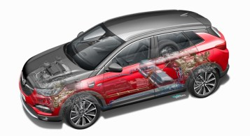 Opel Grandland X Hybrid4 hybride essence 300 chevaux