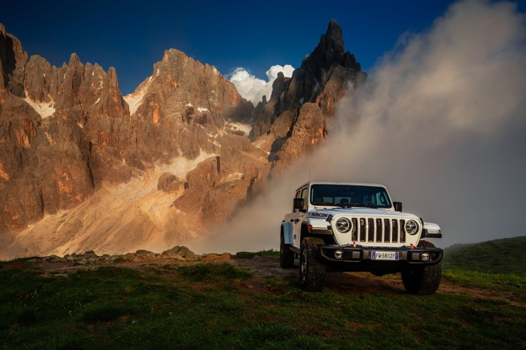 Jeep Gladiator 2019 statique avant calandre feux